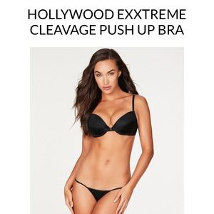 NWT extreme cleavage bra, Fredrick's of Hollywood
